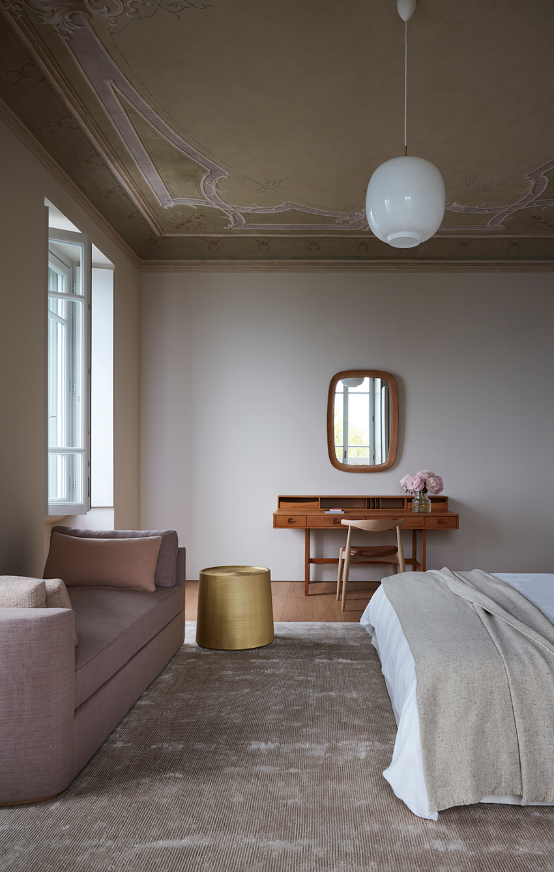 Villa Peduzzi  Pigra Lake Como First Floor Double Bedroom