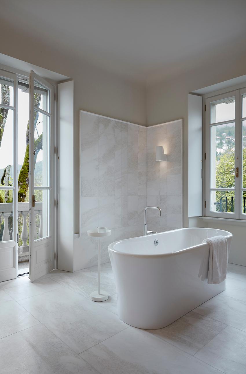 Villa Peduzzi  Pigra Lake Como First Floor Junior Suite Bathroom